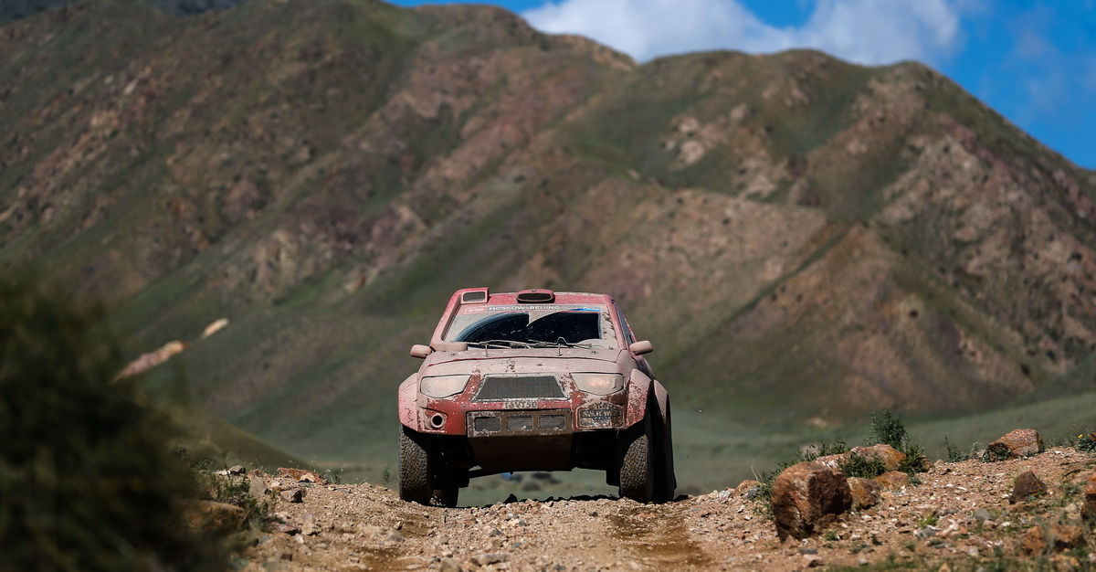 AUTO - SILK WAY RALLY 2016
